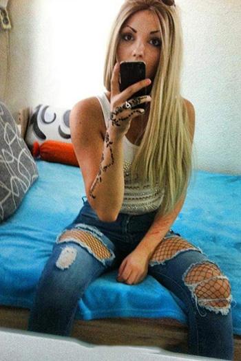 Turecka dziwka towarzyska Berlin Damla, młoda blondynka, oferuje szeroki zakres usług seksualnych