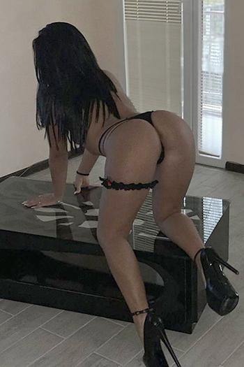 Seks spotkanie w Berlinie z prostytutką towarzyską Dilarą z jędrnymi cyckami super usługi