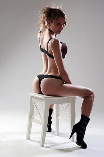 Escort Girl Elena Straps & High Heels Top Sex Service w Berlinie